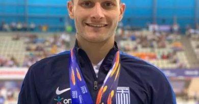 Είναι χρυσός παραολυμπιονίκης στο Παγκόσμιο Πρωταθλημα του Λονδίνου.